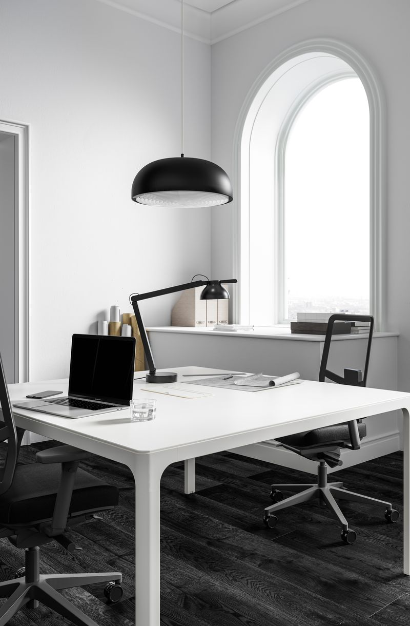 Open workspace with White work desk and comfortable JAMES MESH office chairs in Nordic Black & White