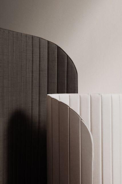 Zilenzio focus screens in an artistic setting in Nordic Dark