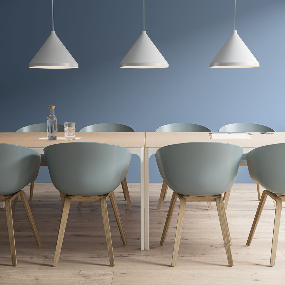 Meeting room with a nordic light set with blue accents.
