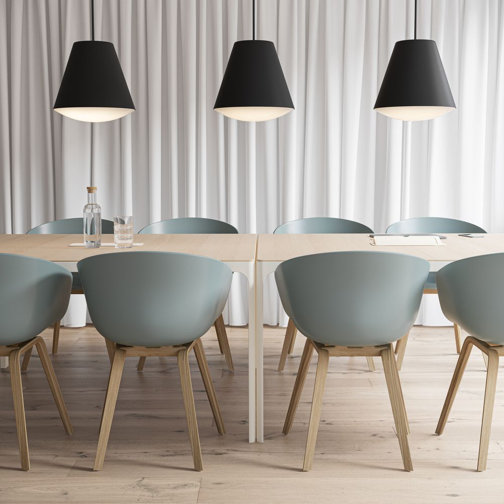 Meeting room with a nordic light set with blue accents